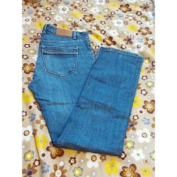 Spodnie jeansy Massimo Dutti.