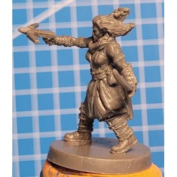 Miniatury Blacklist - Półork kobieta Łotr