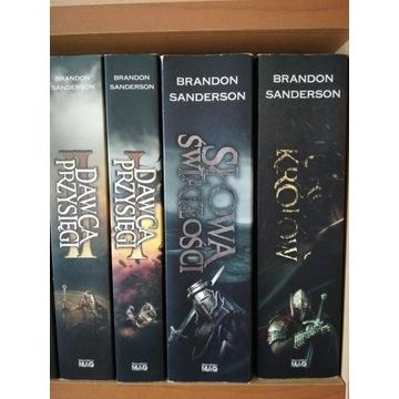"""Brandon Sanderson -""""Archiwum Burzowego Światła"""""""