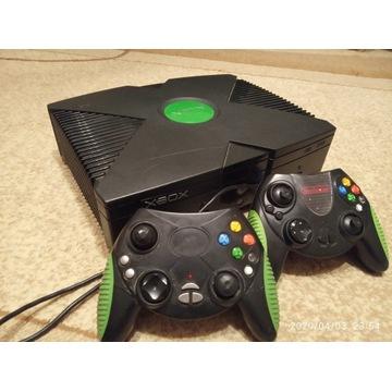 Konsola Xbox + 2 Pady + Okablowanie