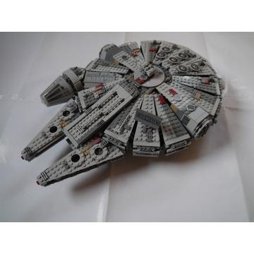 Sokół Millenium Zestaw LEGO 75105