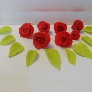 Różyczki na tort plus listki, z masy cukrowej