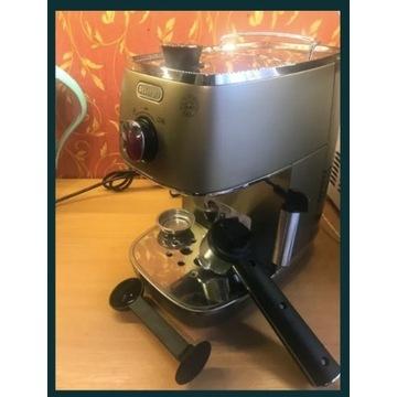 Ekspres ciśnieniowy do kawy DE LONGHI Distinta ECI