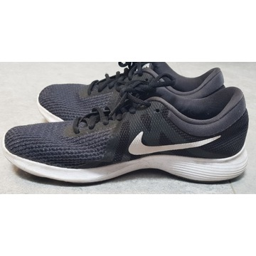 Czarne buty do biegania Nike Revolution (r.40.5)
