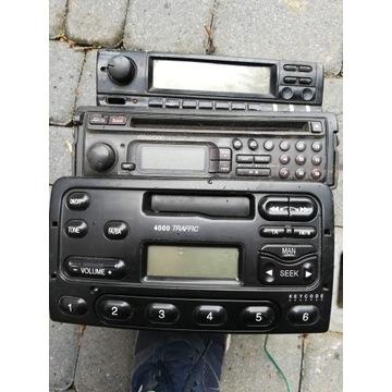 Radio samochodowe 2 szt + korektor graficzny