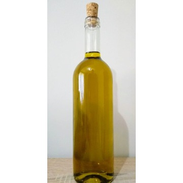 Domowa oliwa z oliwek z Włoch
