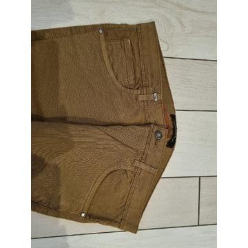 Spodnie brązowe, nowe bez metki, nie używane. R.42