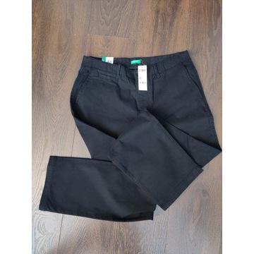 United Colors of Benetton czarne spodnie chinos 48