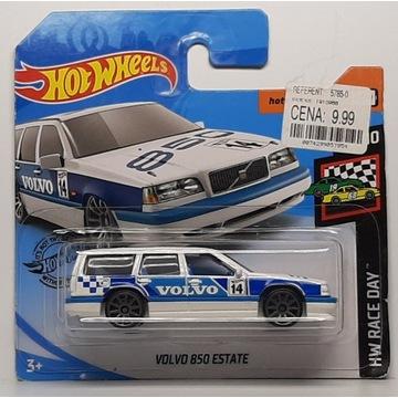 Hot Wheels - Volvo 850 Estate (6)