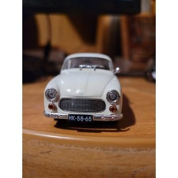 Syrena 104 - model 1:43
