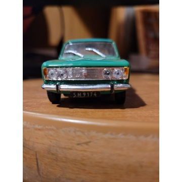 Fiat 125p - model 1:43
