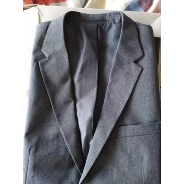 Nowy szary męski garnitur