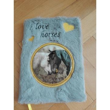 Pamiętnik plusowy szary I love konie dzień dziecka