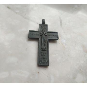 Ładny katolicki krzyżyk. XIX w.