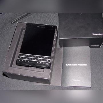 Blackberry PASSPORT + dodatki.