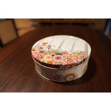 WielkaWYPRZ: Blaszane pudełko na ciastka / herbatę