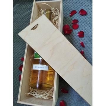 Drewniana skrzynka z grawerem na urodziny