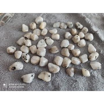 Kamień księżycowy