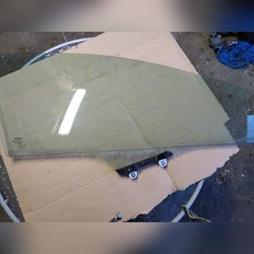 Szyba boczna Honda Civic VIII ufo