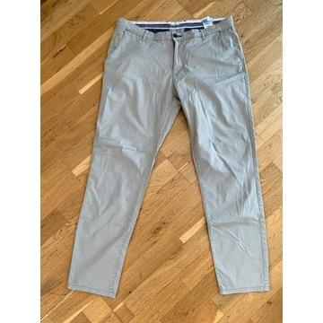 Spodnie Chinos Montego , rozmiar 52