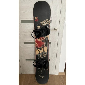 Snowboard DC Media Blitz 158, Wiązania Raven s250