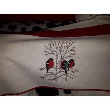 Komplet świąteczny z haftem