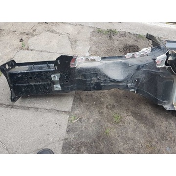 Audi A4 B9 podłużnica lewa