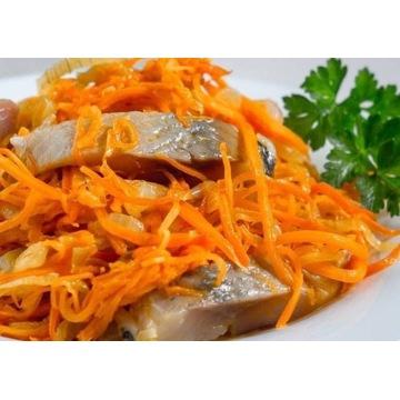 Śledź kiszony w marchewce po koreańsku -19zł/0,5kg