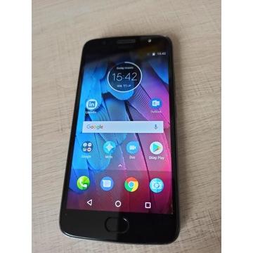 Moto G5S z kartą 32 GB etui Spigen - perfekcyjny