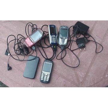 6 starych telefonów komórkowych z ładowarkami