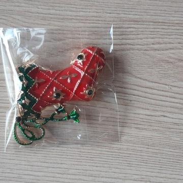 Broszka świąteczna but