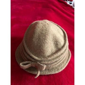 kapelusz musztardowy wełniany