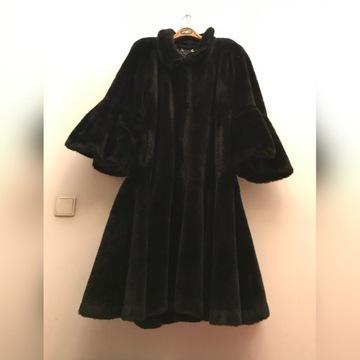 czarne futro