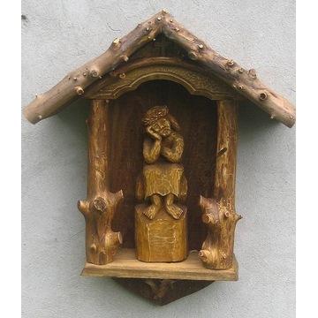 rzeźba drewniana - Kapliczka z Frasobliwym.