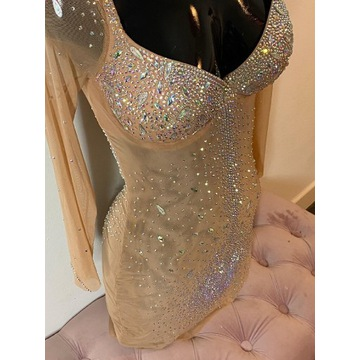 Sukienka kamienie diamenty cyrkonie