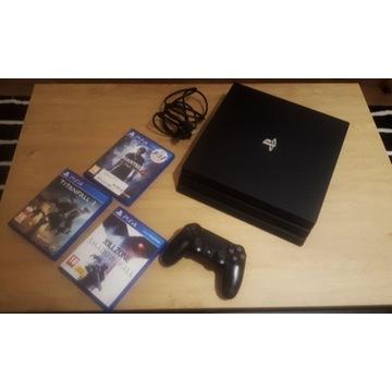 Playstation 4 PRO 1TB+ gry+ kamerka