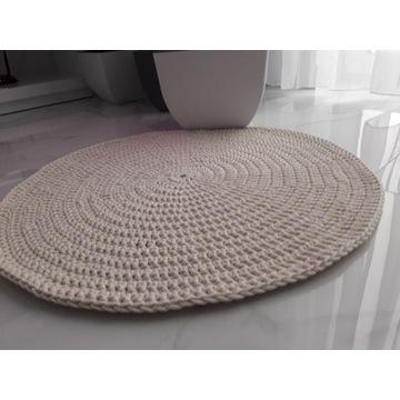 Dywan ze sznurka bawełnianego.