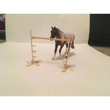 Akcesoria na modele koni