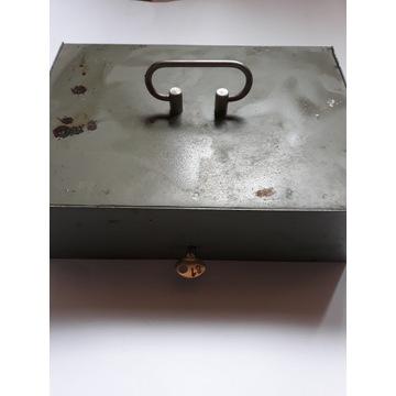skrzynka metalowa na kluczyk