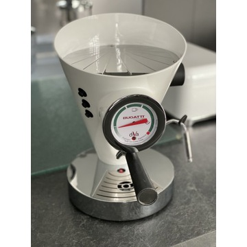 Ciśnieniowy ekspres do kawy Bugatti Diva