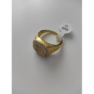 Sygnet męski w kolorze złotym ze stali nierdzewnej