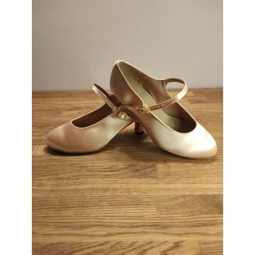 Buty taneczne