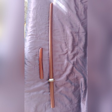 Bokeh miecz treningowy dąb