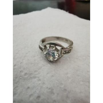 Srebrny pierścionek pr 925