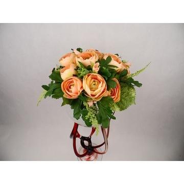 kompozycja z róż w unikatowym wazonie eksluzywna