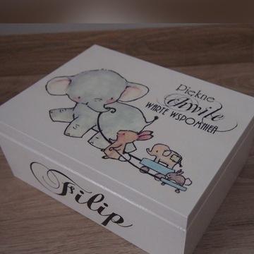kuferek wspomnień pudełko skarby chrzciny roczek