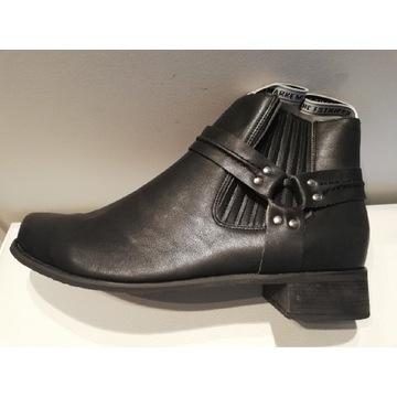 Buty kowbojki, nowe
