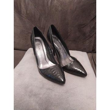 5 par butów