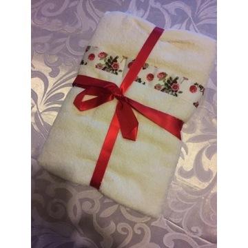 Avon komplet 2 ręczników - idealne na prezent