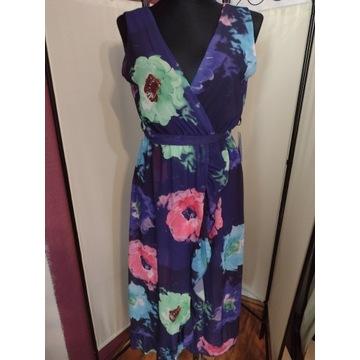 Sukienka zwiewna letnia w kwiaty z falbanką